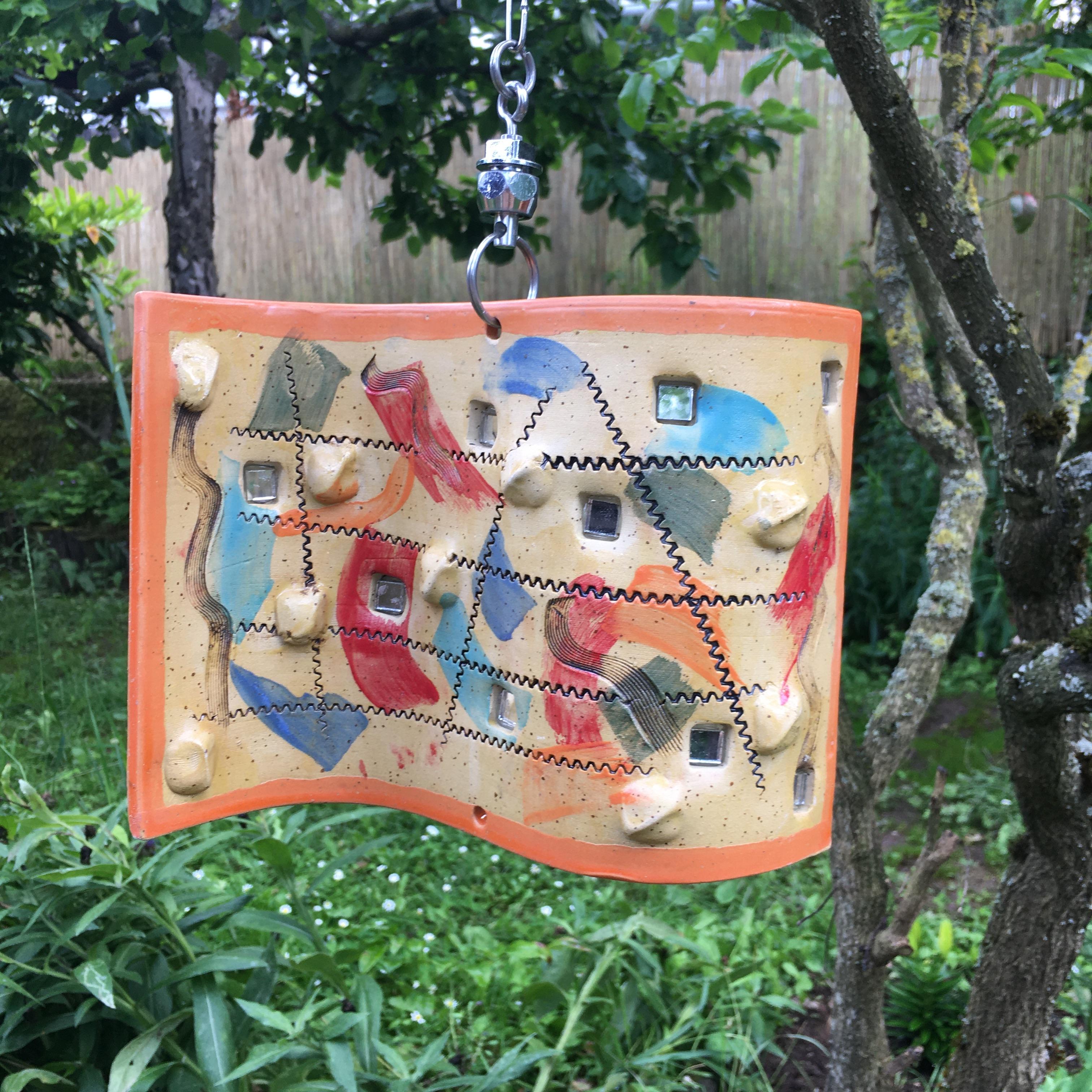 Windwelle mit orangem Rahmen